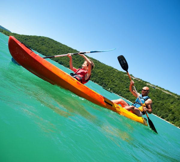 Canoë-Kayak au Lac de Chalain, © Benjamin Becker/Jura Tourisme