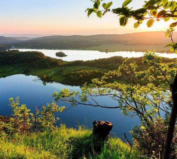 Coucher de soleil au Belvédère des 4 Lacs © Stéphane Godin/Jura Tourisme