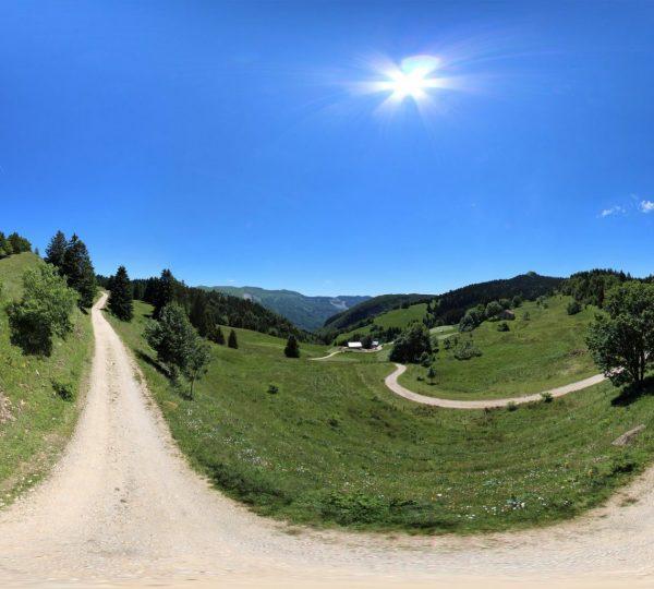 Vue 360° de la Borne au Lion dans les Hautes-Combes