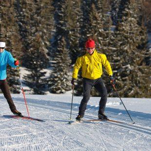 Couple en ski de fond à Prénovel