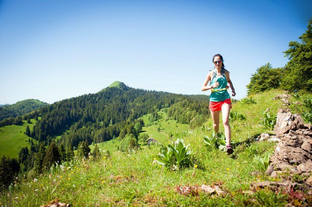 Traileuse dans le Haut-Jura © Benjamin Becker / Jura Tourisme