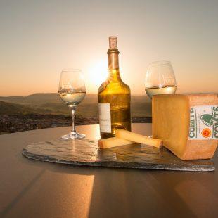 Dégustation de Comté et de Vin Jaune à Château-Chalon