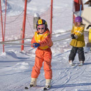 Enfant en ski aplin - Station les Gentianes