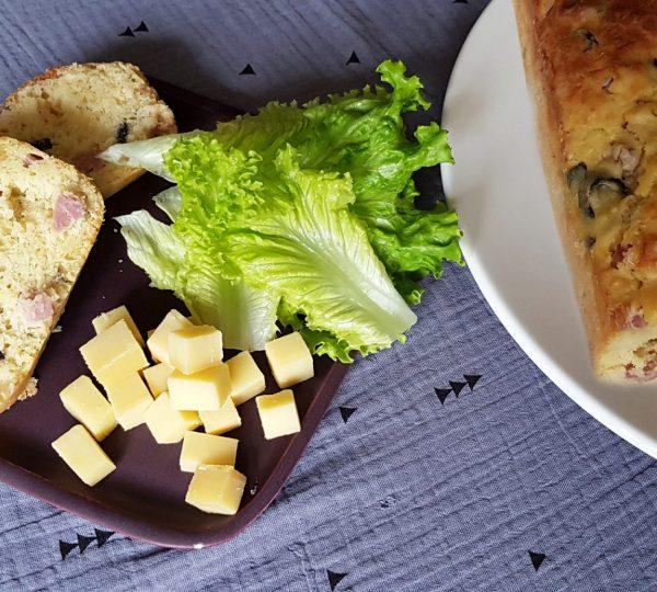 Cake au Comté et aux olives © Jura Tourisme