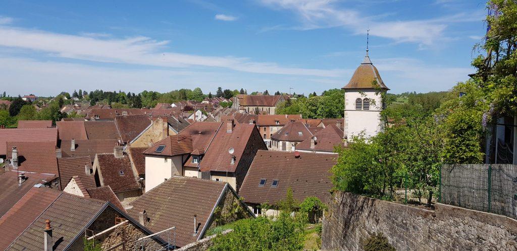 Vue sur la ville de Sellières © Jura Tourisme