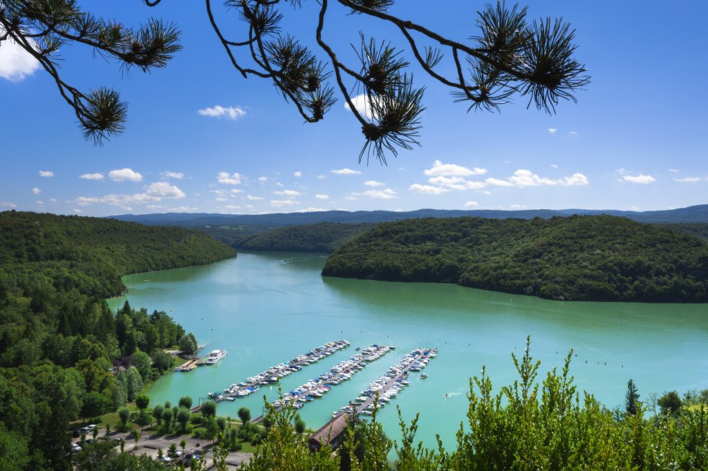 Port du Surchauffant sur le Lac de Vouglans © Stéphane Godin/Jura Tourisme
