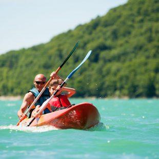 Canoë-kayak sur le lac de Chalain