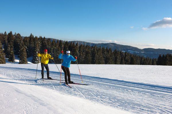 Skieurs nordique dans le Haut-Jura