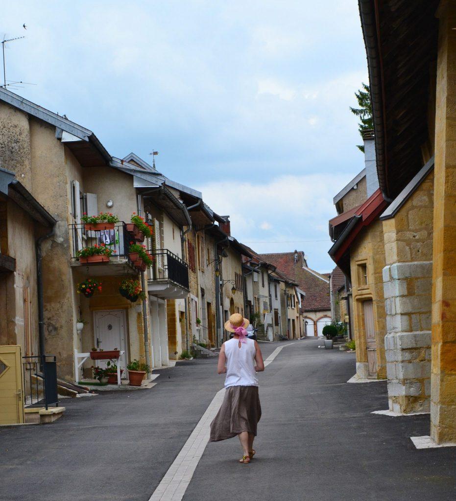 Balade dans Nozeroy © Jura Tourisme