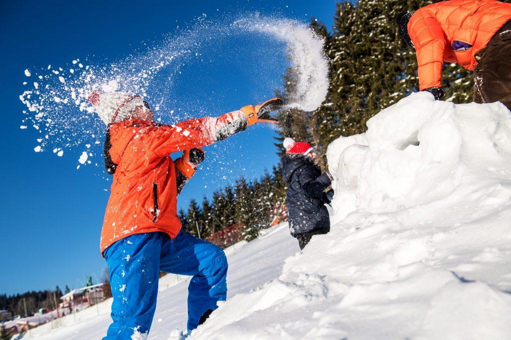 Jeux de neige à la station des Marais à Morbier © Benjamin Becker/Jura Tourisme