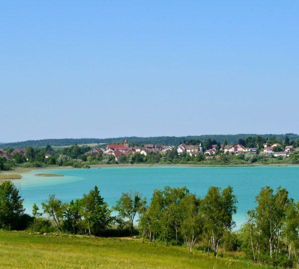 Lac de Clairvaux-les-Lacs © Jura Tourisme