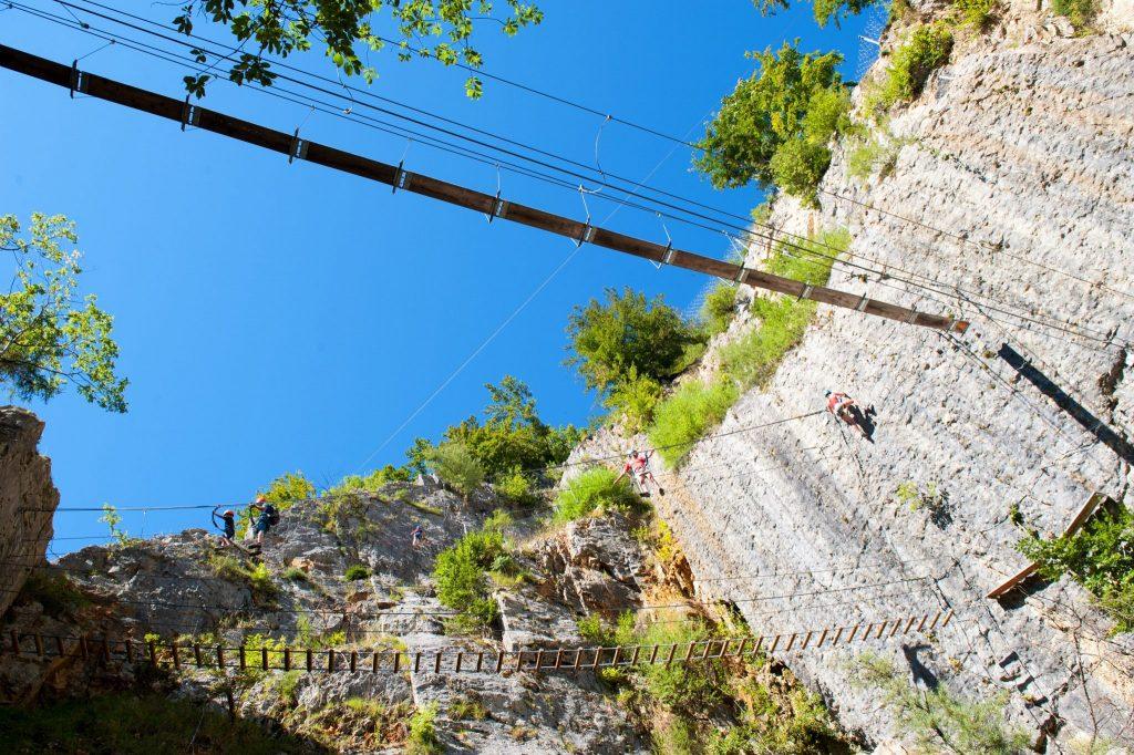 Via Ferrata de la Roche au Dade à Morez © Benjamin Becker/Jura Tourisme