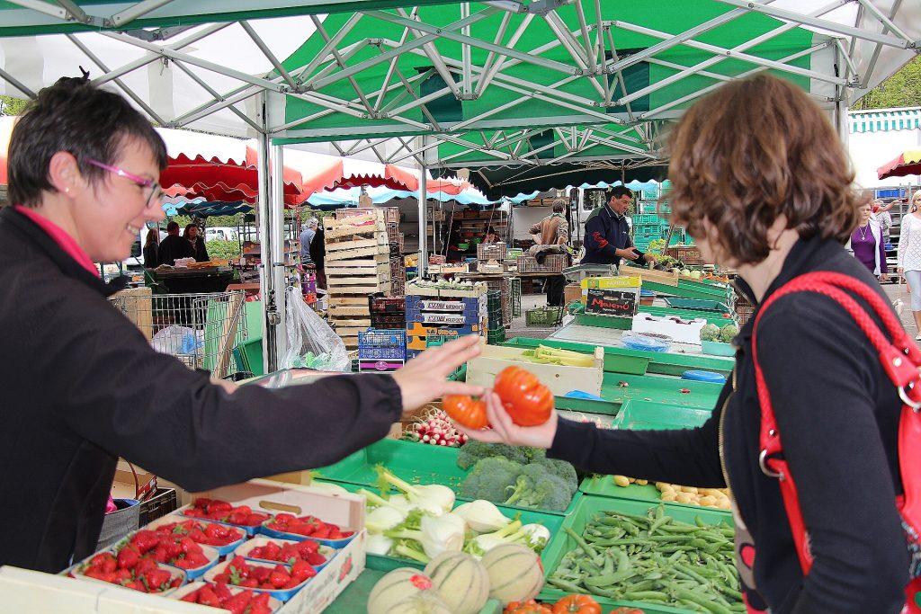 Marché aux fruits et légumes de Lons-le-Saunier © Aline Dalloz/Jura Tourisme