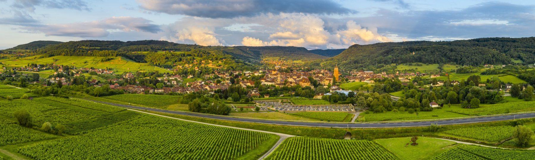 Vue sur le vignoble d'Arbois © Stéphane Godin / Jura Tourisme