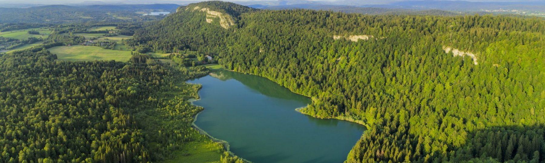 Lac de Bonlieu © Stéphane Godin / Jura Tourisme