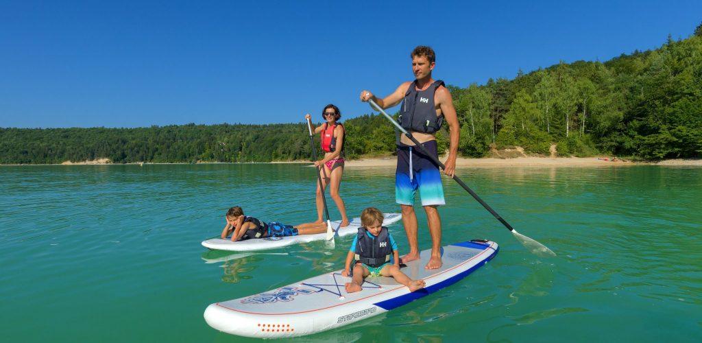 Stand up paddle en famille sur le lac de Vouglans