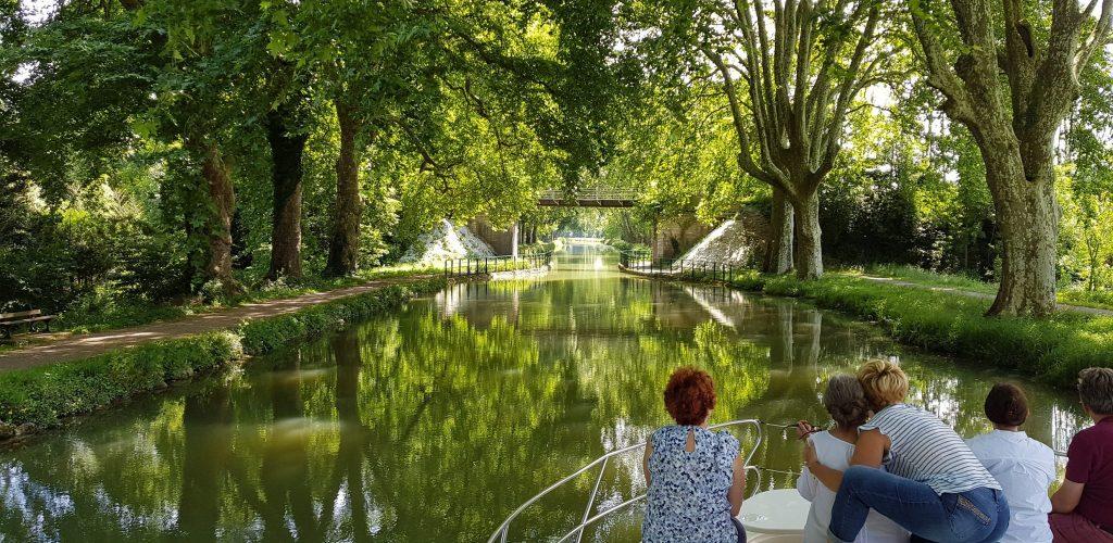 Balade en bateau sur le Canal du Rhône au Rhin © Jura Tourisme