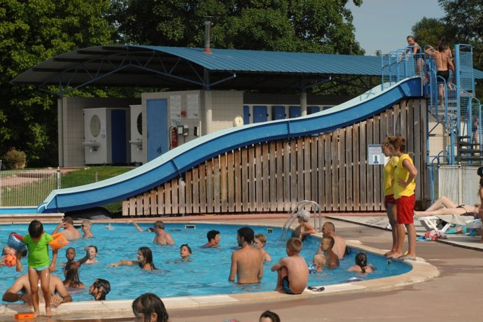 65-camping-parcey-activites-personnes-piscine-02-283993