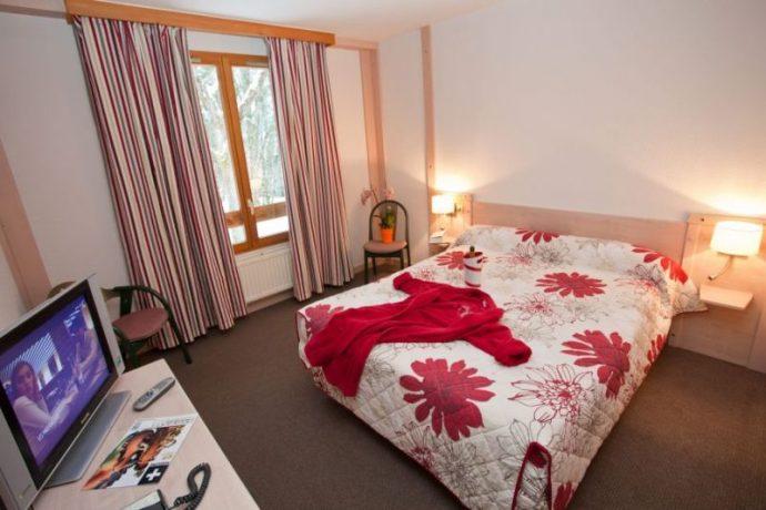 800×600-bois-dormant-chambre-jura-38380-3091114