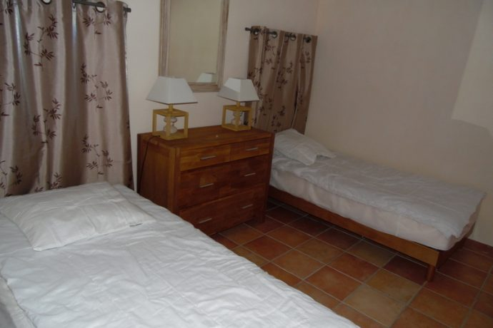 chambre-2-lits-simples-3674060