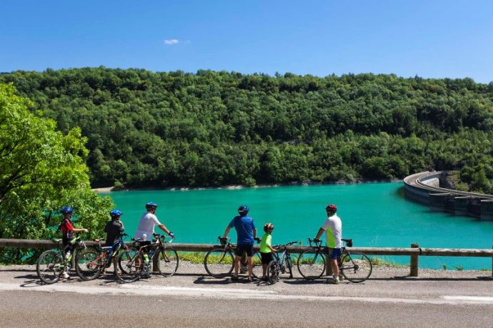 lac-de-vouglans-barrage-barage-tour-de-france-cyclo-nature-lacs-tour-du-jura-velo-sportif-7752