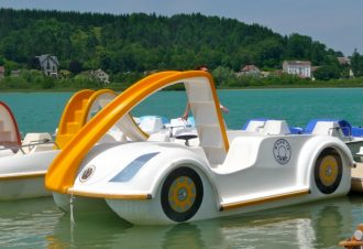 Clairvaux Pedalboat